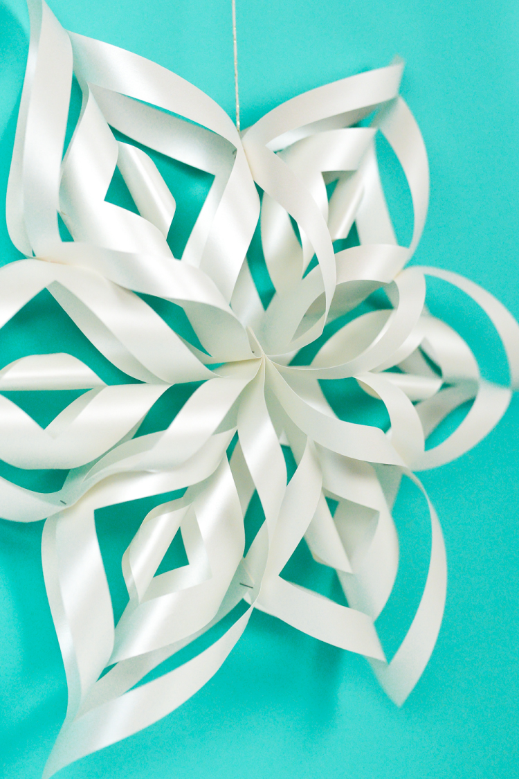 Cool down with Miss Gina, make a snowflake.
